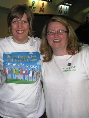 Tanya Herrold (left), volunteers at an event for FLDRN, with Amy James, our community education manager.